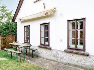Three-Bedroom Holiday Home in Jablonec nad Jizerou - Bratrouchov