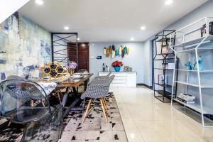 Rongyi Apartment, Apartmány  Kanton - big - 120