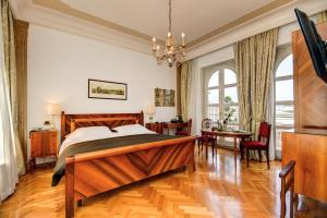 Hotel Vittoria Brescia Italy J2ski