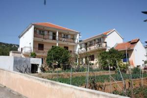 Apartment Vinisce 6117b, Apartmanok  Vinišće - big - 31