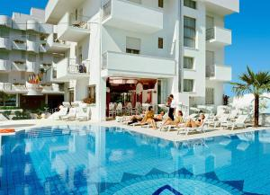 Hotel Giovanella - AbcAlberghi.com