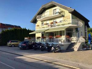 Hotel Maj Inn, Hostince  Moravske-Toplice - big - 1