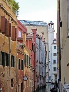 Bright apartment in the heart of Venice - AbcAlberghi.com