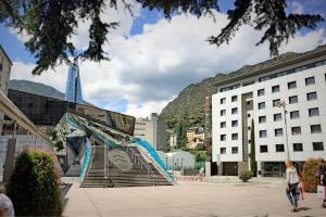 Mola Park Atiram Hotel