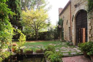 Peaceful housing in the first convent of St Clare - AbcAlberghi.com
