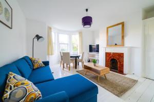 obrázek - Bright, Modern Oldfield Apartment with Garden