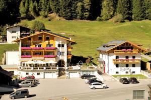Gasthof Burkert - Hotel - Hochoetz