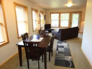 Hutson's Hideaway - Apartment - Hood River