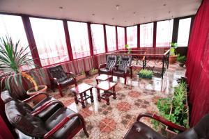 Hotel Sympatia, Hotels  Tbilisi City - big - 36