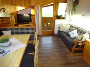 Pension Tannenhof, Bed and Breakfasts  Leogang - big - 63