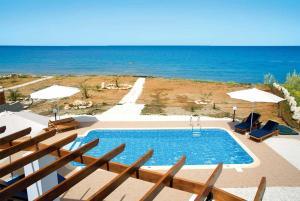 Cleopatra Beach, Vily  Pomos - big - 11