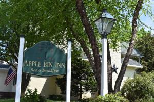 Apple Bin Inn - Accommodation - Willow Street