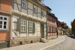 Urlaub im Fachwerk - Klink, Appartamenti  Quedlinburg - big - 23