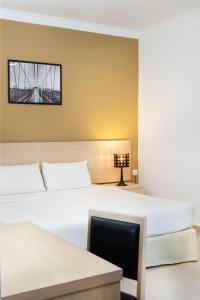 Golden View Serviced Apartments, Apartmanok  George Town - big - 38
