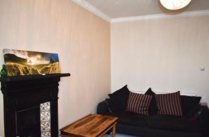 Spacious 2 Bedroom with Sea Views - Hove
