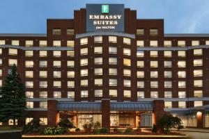 Embassy Suites By Hilton Montreal Airport - Hotel - Pointe-Claire