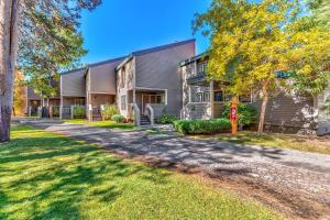 Lakeland Village at Heavenly - Apartment - South Lake Tahoe