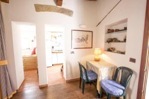 Appartamento il Sottomarino, Apartmanok  Portoferraio - big - 32