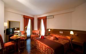 Excel Hotel Roma Ciampino, Szállodák  Marino - big - 41