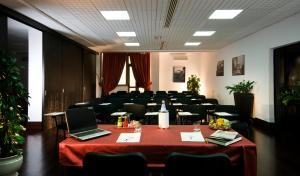 Excel Hotel Roma Ciampino, Szállodák  Marino - big - 24