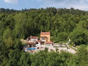 Three-Bedroom Holiday Home in Klenovscak - Male Mune