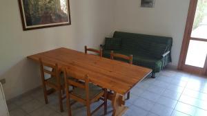 Villa trilo con doppio giardino 26, Дома для отпуска  Торре-дель'Орсо - big - 17
