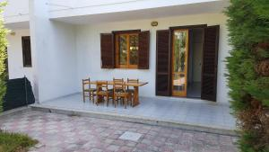 Villa trilo con doppio giardino 26, Дома для отпуска  Торре-дель'Орсо - big - 16