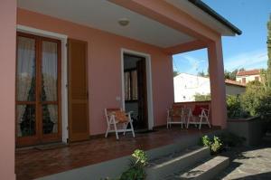 Casa La Luce app. 3 (5 locali) - AbcAlberghi.com