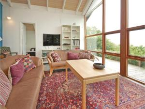 Three-Bedroom Holiday home Bjert with Sea View 08, Holiday homes  Sønder Bjert - big - 17