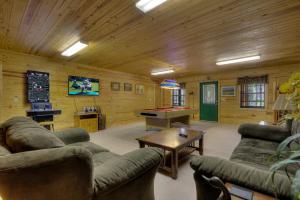 Always Delightful #411 - Four Bedroom Cabin - Line Spring