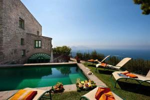 Sorrento Villa Sleeps 11 Pool Air Con WiFi - AbcAlberghi.com