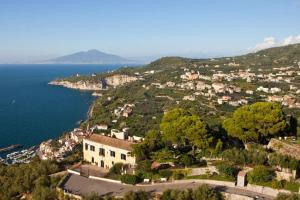 Sorrento Villa Sleeps 10 Pool WiFi - AbcAlberghi.com