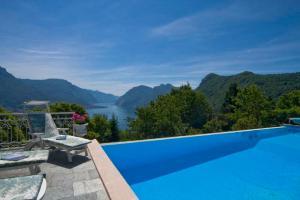 Civenna Villa Sleeps 6 Pool WiFi - AbcAlberghi.com
