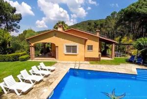 obrázek - Bell-Lloch Villa Sleeps 8 Pool WiFi