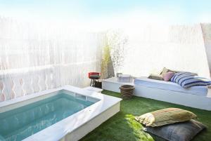 Provenals del Poblenou Villa Sleeps 6 Pool Air Con - Barcelona