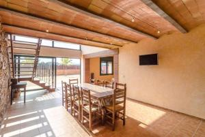 Vidreres Villa Sleeps 14 Pool Air Con WiFi, Vily  Vidreres - big - 54