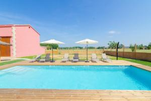 Vidreres Villa Sleeps 14 Pool Air Con WiFi, Vily  Vidreres - big - 32