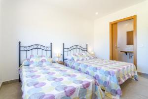 Vidreres Villa Sleeps 14 Pool Air Con WiFi, Vily  Vidreres - big - 27