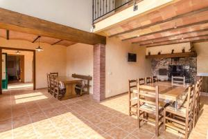 Vidreres Villa Sleeps 14 Pool Air Con WiFi, Vily  Vidreres - big - 26