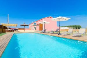 Vidreres Villa Sleeps 14 Pool Air Con WiFi, Vily  Vidreres - big - 11