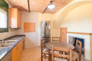 Vidreres Villa Sleeps 14 Pool Air Con WiFi, Vily  Vidreres - big - 5