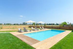 Vidreres Villa Sleeps 14 Pool Air Con WiFi, Vily  Vidreres - big - 3