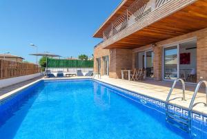 Blanes Villa Sleeps 10 Pool WiFi, Vily  Blanes - big - 41