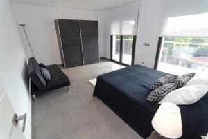 Lloret de Mar Villa Sleeps 9 Pool WiFi, Vily  Lloret de Mar - big - 26