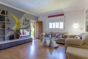 Montbarbat Villa Sleeps 6 Pool WiFi, Vily  Mont Barbat - big - 32