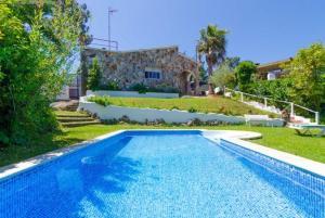 Montbarbat Villa Sleeps 6 Pool WiFi, Vily  Mont Barbat - big - 1