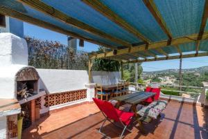 Montbarbat Villa Sleeps 6 Pool WiFi, Vily  Mont Barbat - big - 11