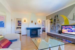Montbarbat Villa Sleeps 6 Pool WiFi, Vily  Mont Barbat - big - 9