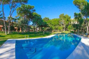 Llafranc Villa Sleeps 8 Pool WiFi, Vily  Llafranc - big - 16