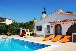 obrázek - Sant Genis de Palafolls Villa Sleeps 10 Pool